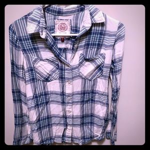 Long Sleeve Plaid Button-up
